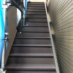 板橋区Gアパートの長尺シート工事 – 階段・廊下の長尺シートリフォーム