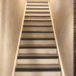 三鷹市Cアパートの階段・廊下長尺シート工事 – アパートの共用部リフォーム