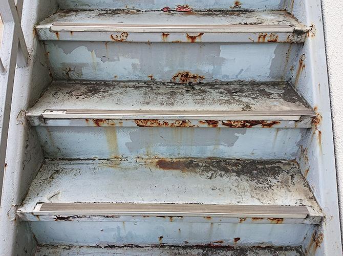 鉄骨階段のサビ